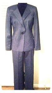 Lafayette 14i8 New York pant suit